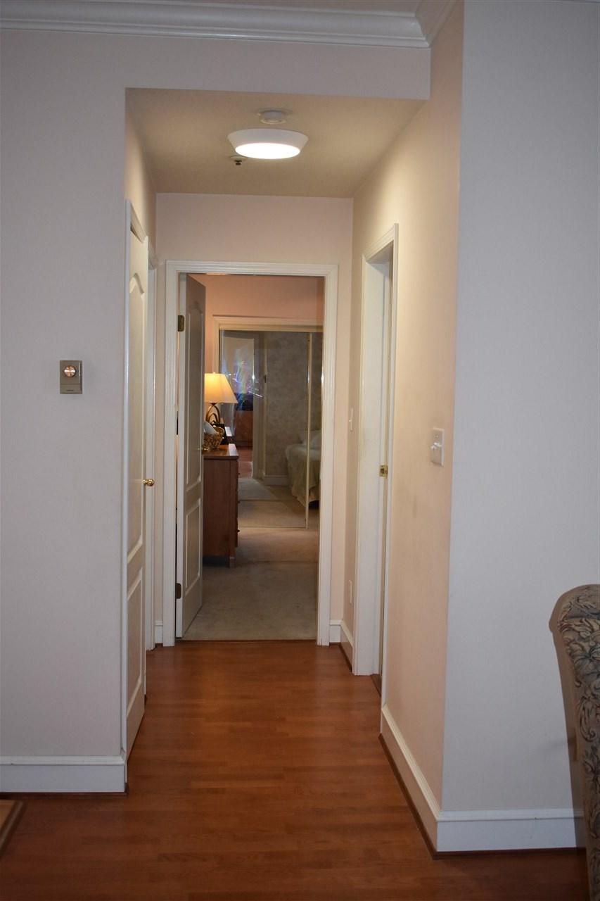 Condo Apartment at 103 8680 LANSDOWNE ROAD, Unit 103, Richmond, British Columbia. Image 12