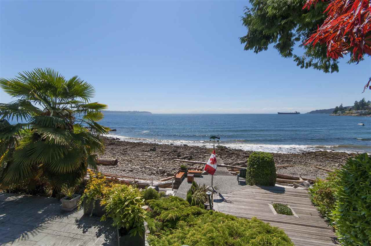 Detached at 3156 TRAVERS AVENUE, West Vancouver, British Columbia. Image 1