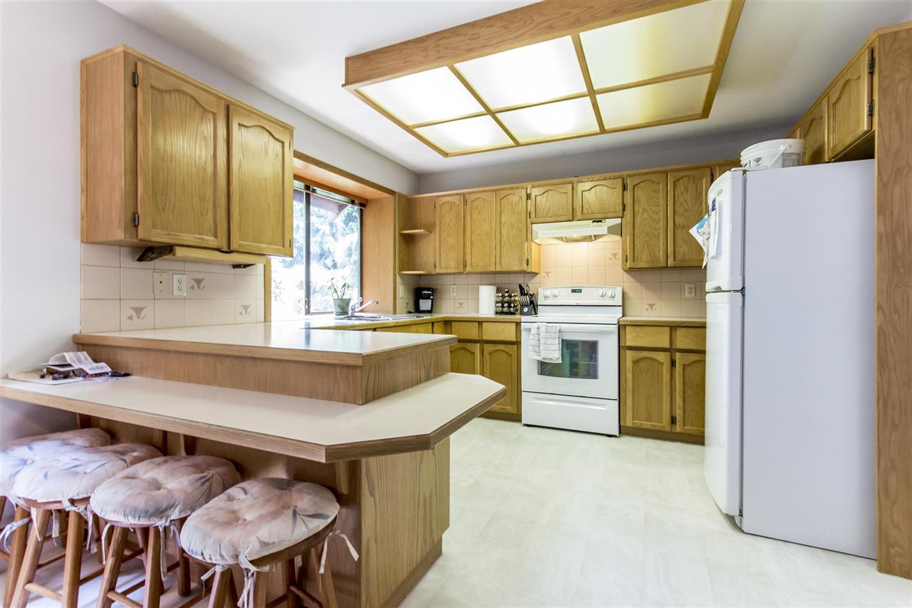 Detached at 1862 EUREKA AVENUE, Port Coquitlam, British Columbia. Image 4