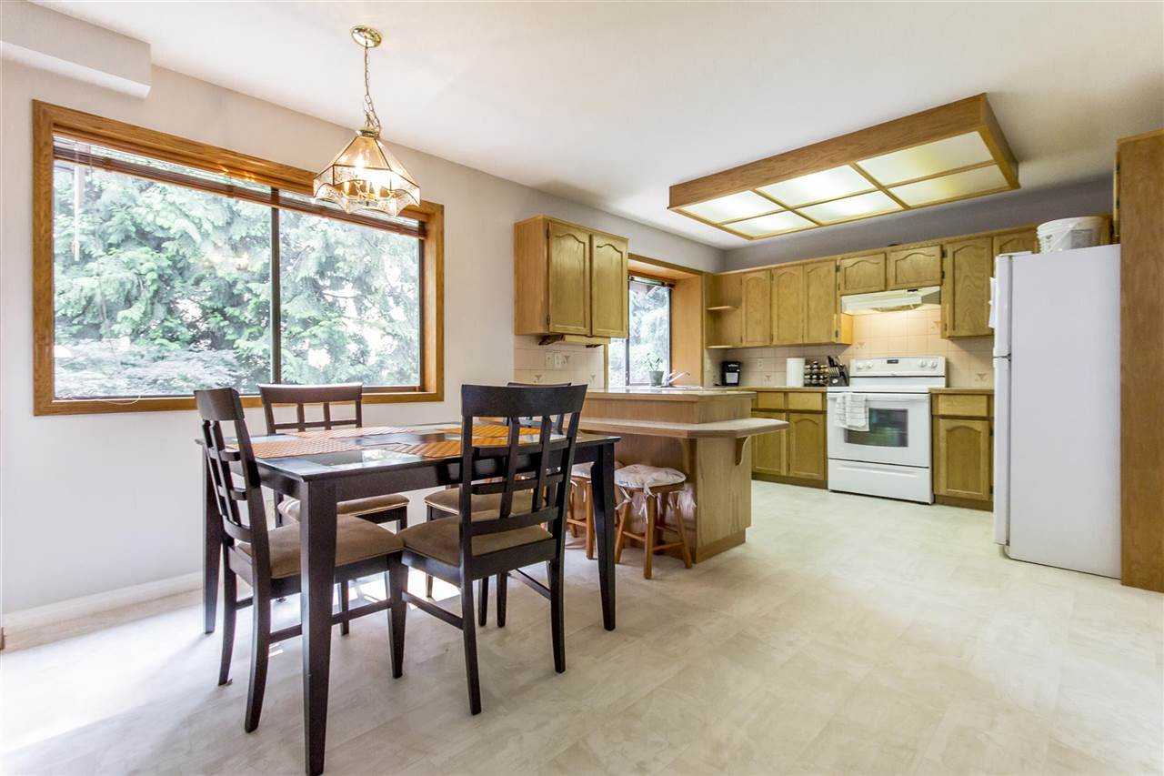 Detached at 1862 EUREKA AVENUE, Port Coquitlam, British Columbia. Image 5