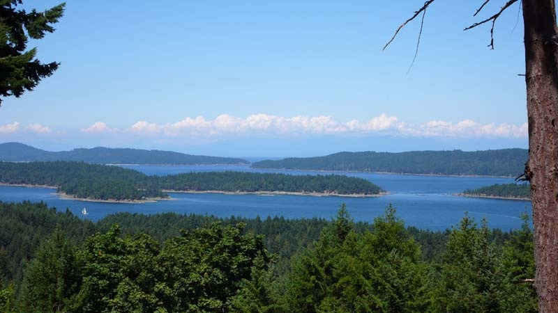 Detached at 285 NORTH VIEW PLACE, Islands-Van. & Gulf, British Columbia. Image 2