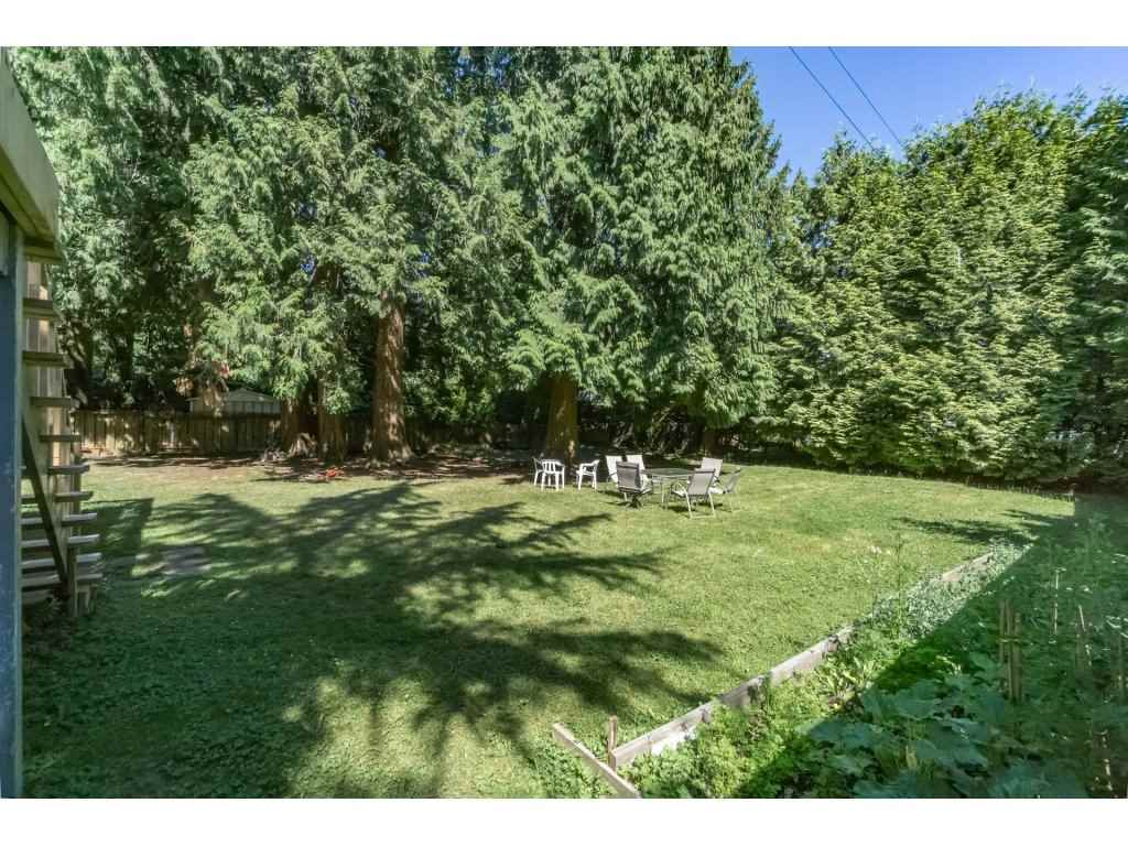 Detached at 14279 MELROSE DRIVE, North Surrey, British Columbia. Image 2