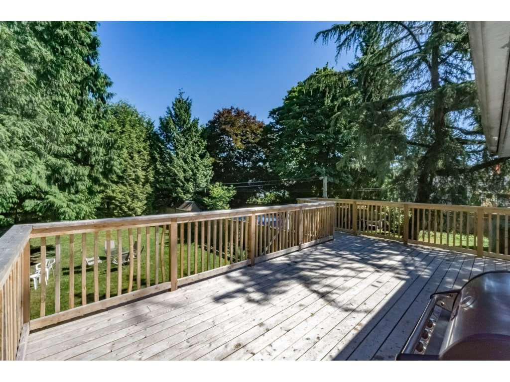 Detached at 14279 MELROSE DRIVE, North Surrey, British Columbia. Image 19