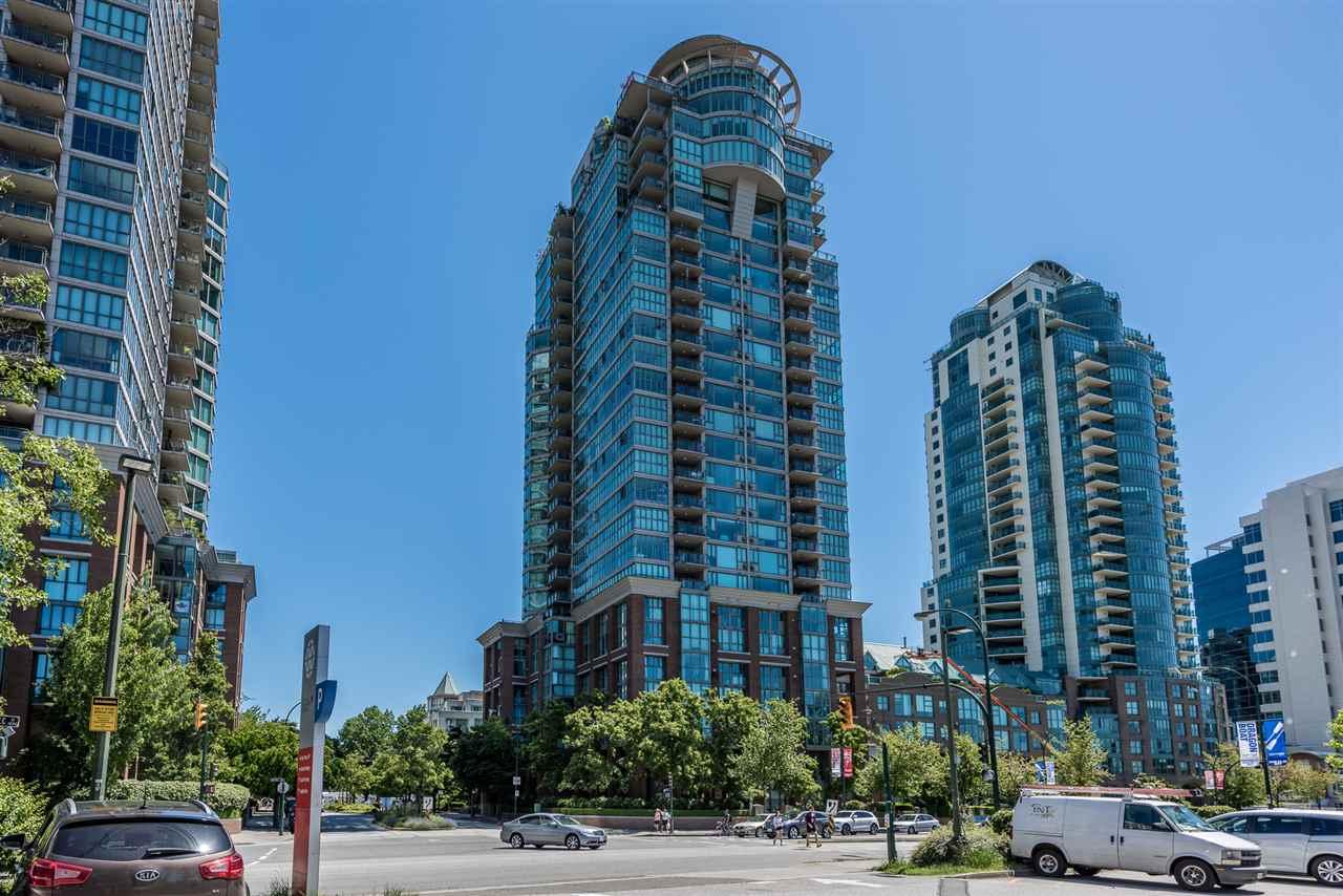 Condo Apartment at 2105 1128 QUEBEC STREET, Unit 2105, Vancouver East, British Columbia. Image 1