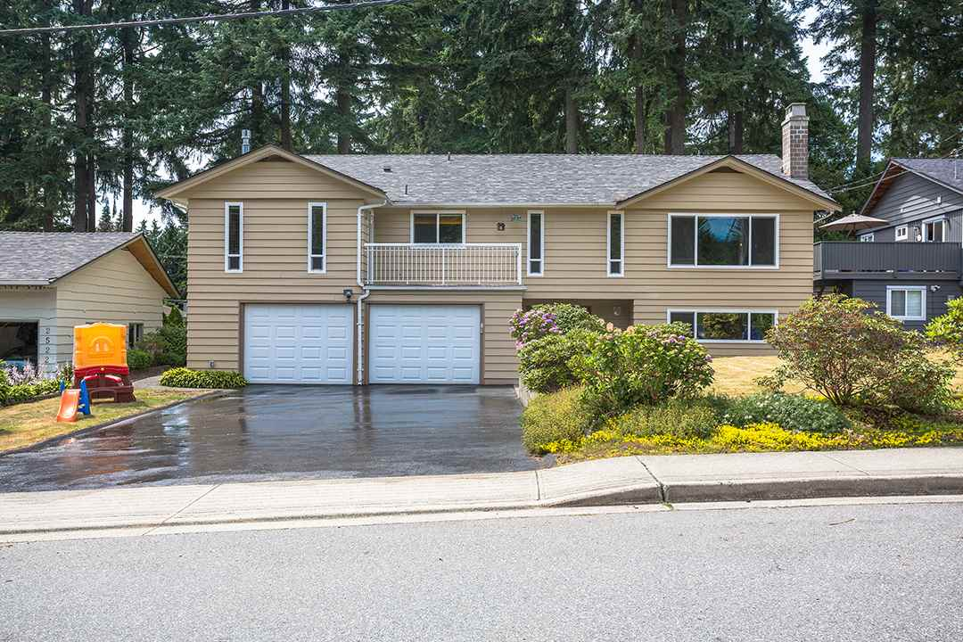 Detached at 2528 BRONTE DRIVE, North Vancouver, British Columbia. Image 20