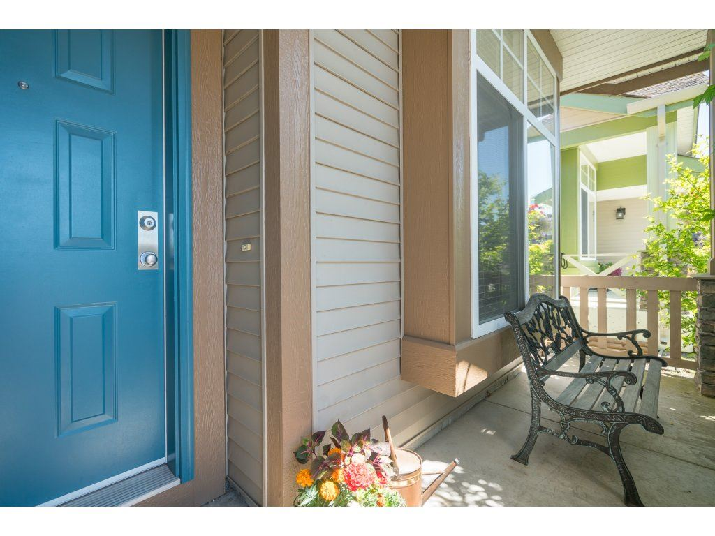 Detached at 20639 66 AVENUE, Langley, British Columbia. Image 2