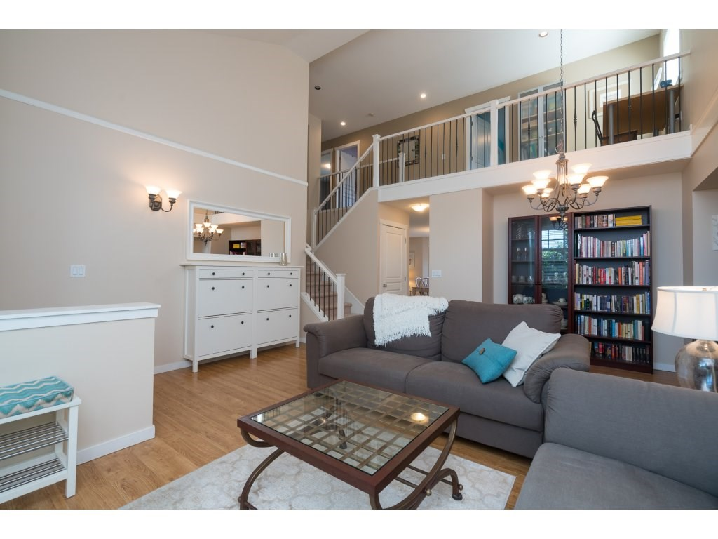 Detached at 20639 66 AVENUE, Langley, British Columbia. Image 4