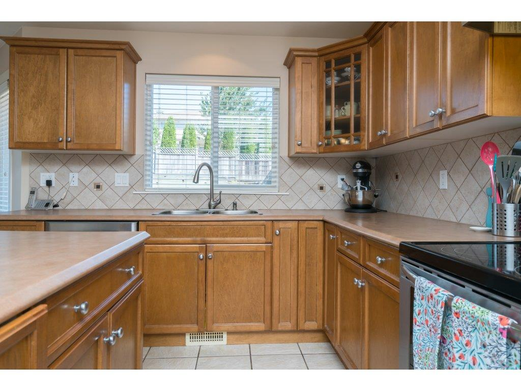 Detached at 20639 66 AVENUE, Langley, British Columbia. Image 7