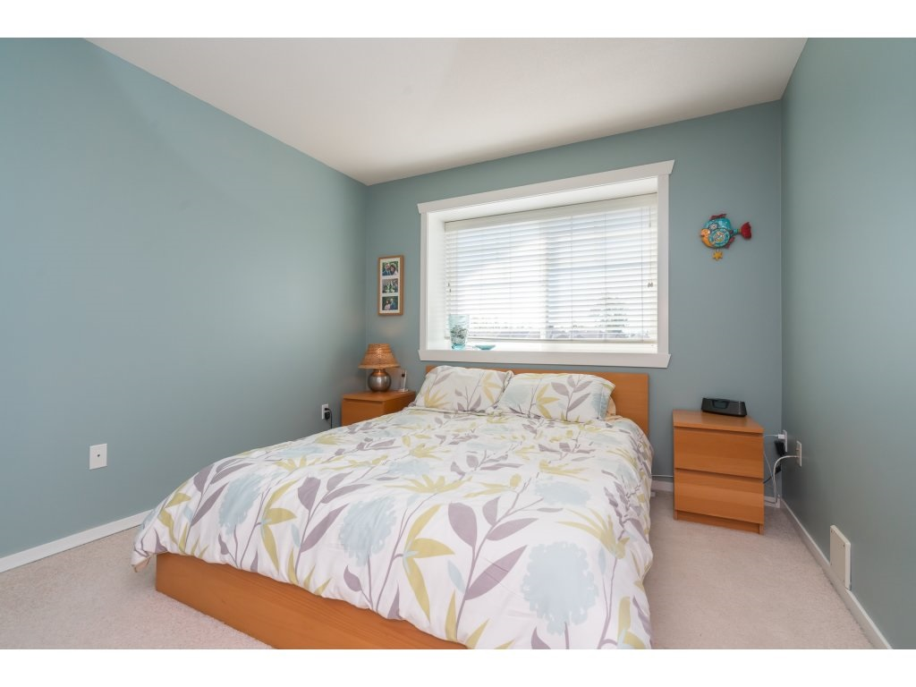 Detached at 20639 66 AVENUE, Langley, British Columbia. Image 12