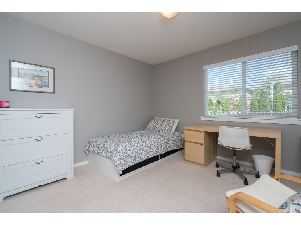 Detached at 20639 66 AVENUE, Langley, British Columbia. Image 14