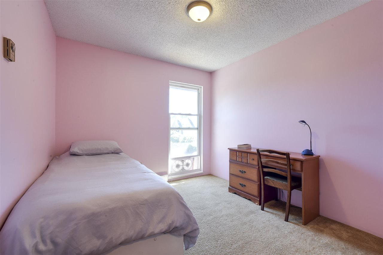 Townhouse at 5 5600 LADNER TRUNK ROAD, Unit 5, Ladner, British Columbia. Image 16