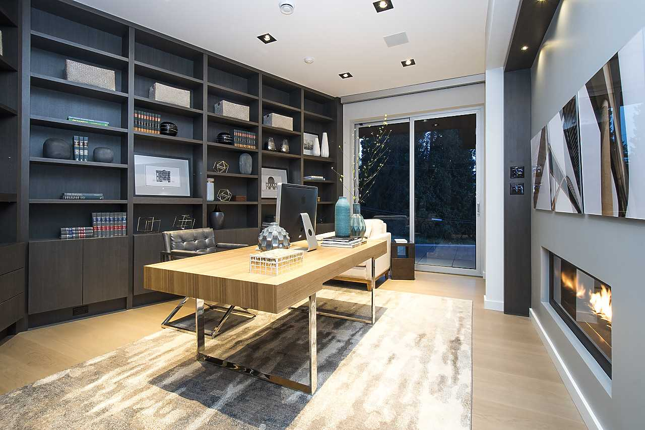 Detached at 3023 MATHERS AVENUE, West Vancouver, British Columbia. Image 14