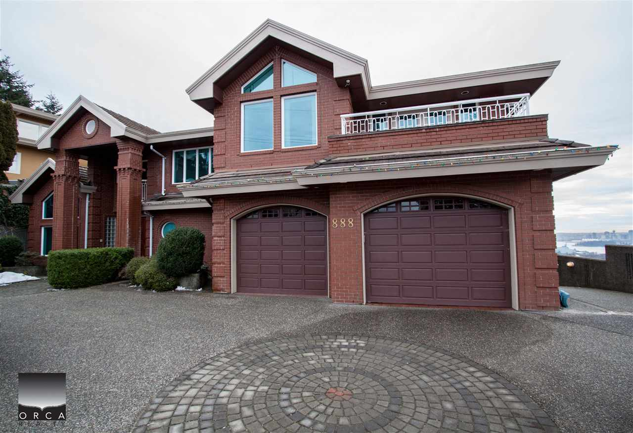 Detached at 888 SENTINEL DRIVE, West Vancouver, British Columbia. Image 1