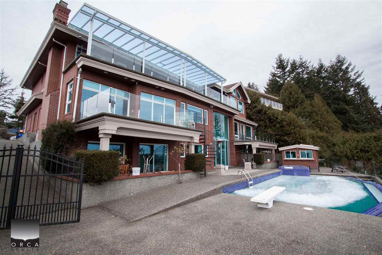 Detached at 888 SENTINEL DRIVE, West Vancouver, British Columbia. Image 2