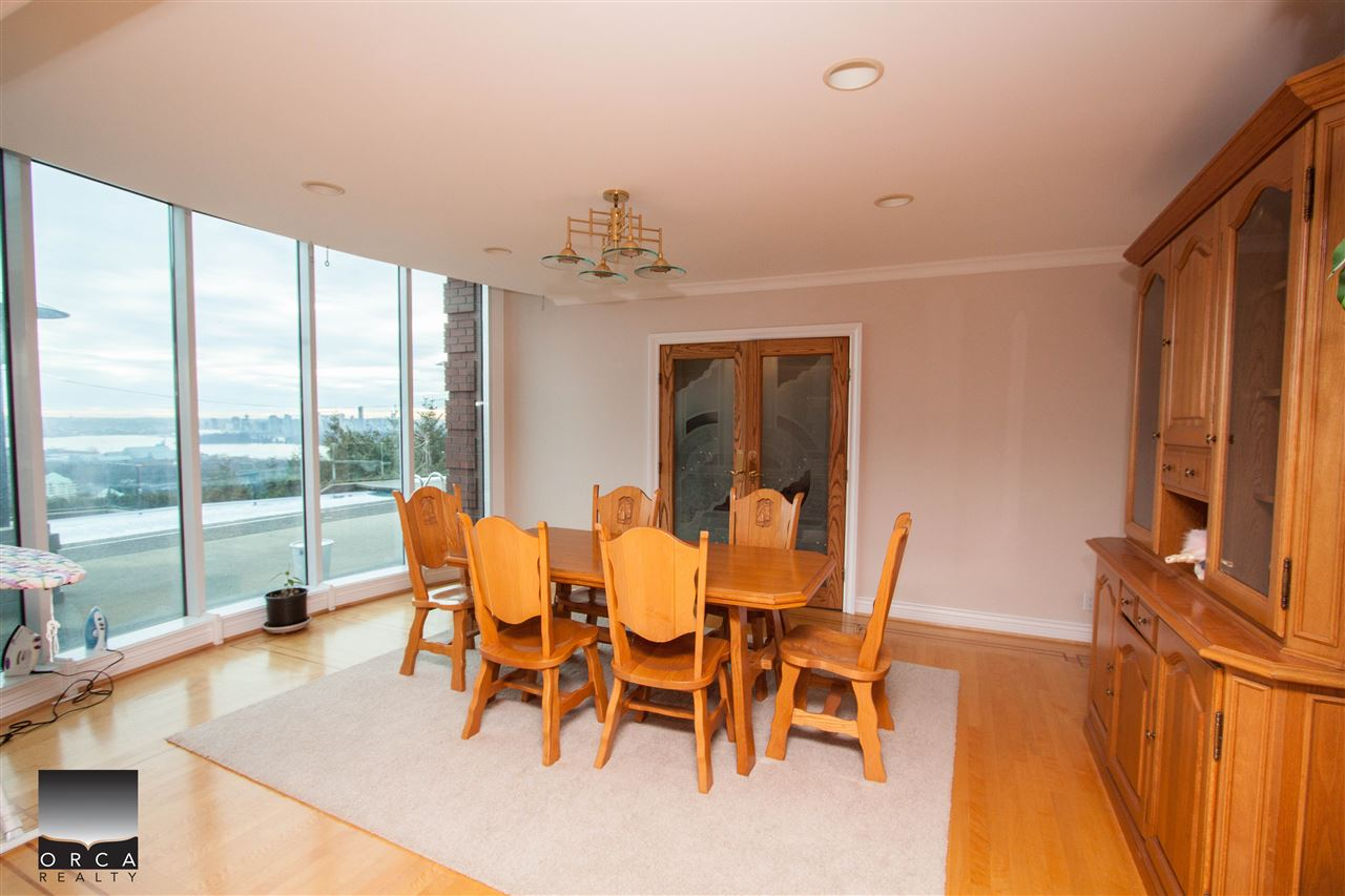 Detached at 888 SENTINEL DRIVE, West Vancouver, British Columbia. Image 9
