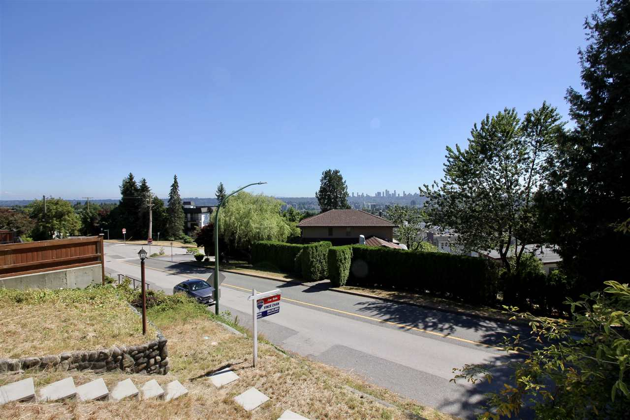Detached at 5359 EMPIRE DRIVE, Burnaby North, British Columbia. Image 6