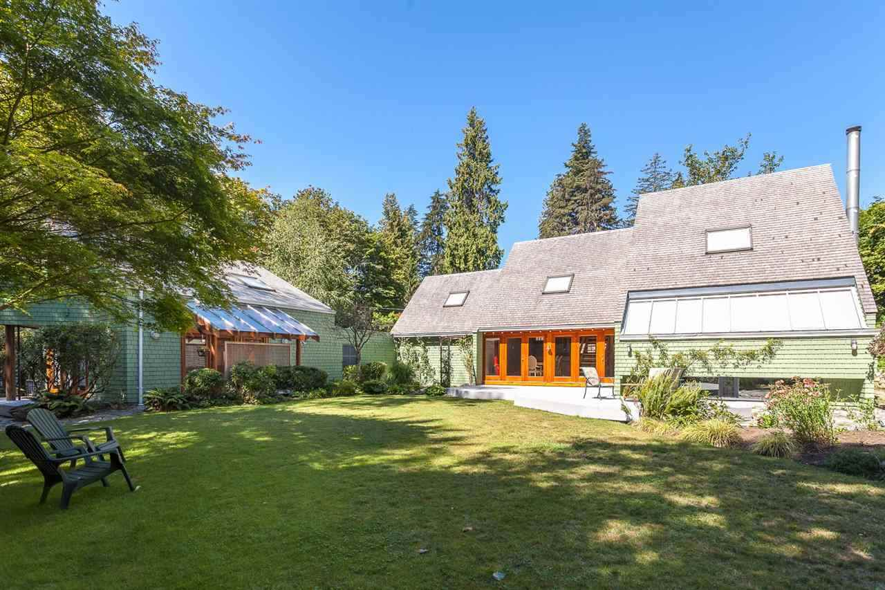 Detached at 2843 MARINE DRIVE, West Vancouver, British Columbia. Image 1
