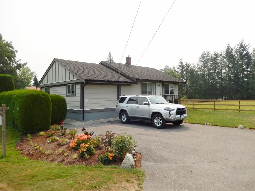 Detached at 10120 HAWTHORNE ROAD, Chilliwack, British Columbia. Image 1