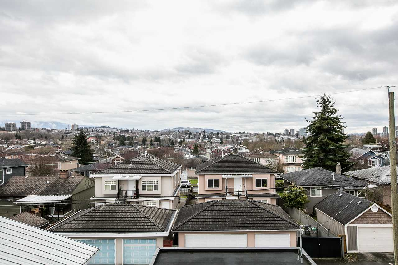 Detached at 1118 LILLOOET STREET, Vancouver East, British Columbia. Image 20