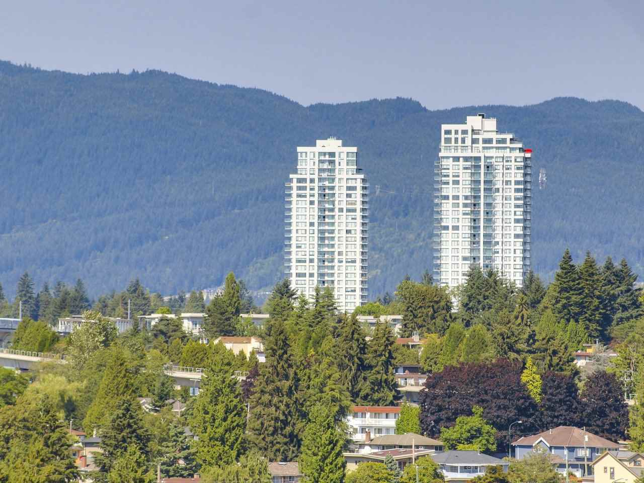 Condo Apartment at 1903 3737 BARTLETT COURT, Unit 1903, Burnaby North, British Columbia. Image 6
