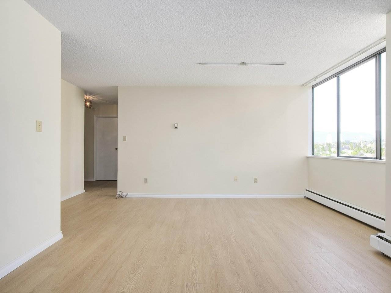 Condo Apartment at 1903 3737 BARTLETT COURT, Unit 1903, Burnaby North, British Columbia. Image 11