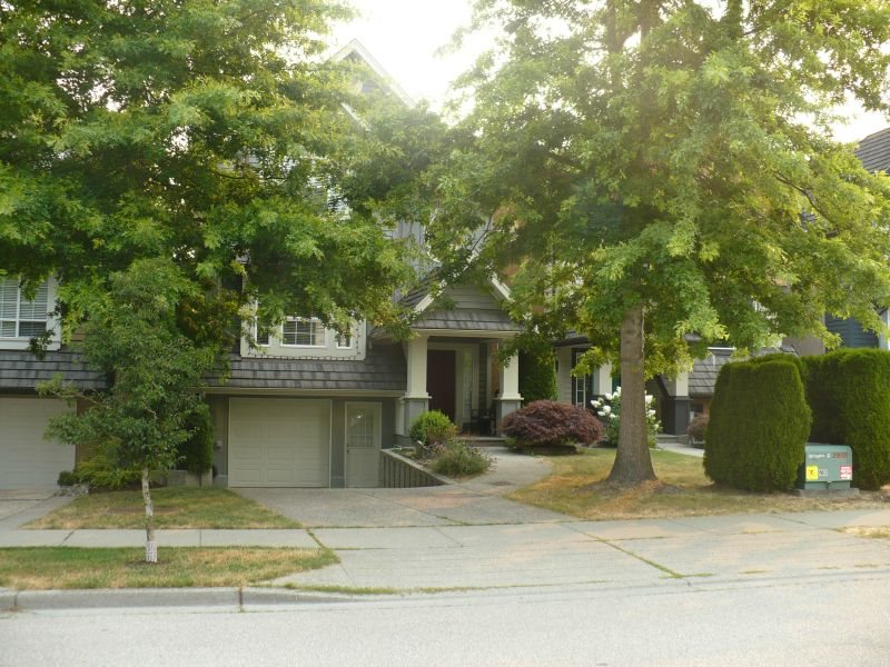 Detached at 3332 ROSEMARY HEIGHTS CRESCENT, South Surrey White Rock, British Columbia. Image 1