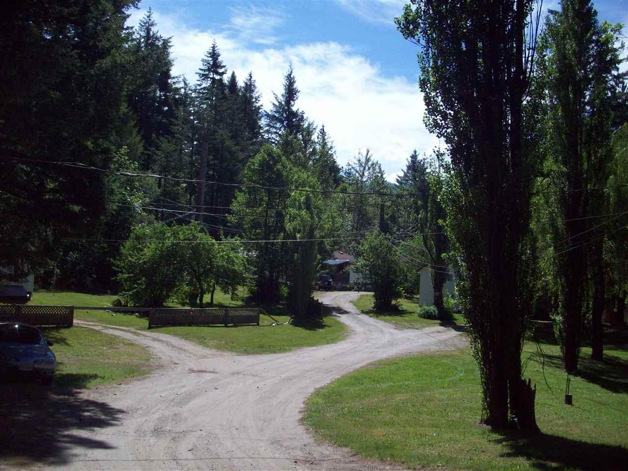 Detached at 22200 TRANS CANADA HIGHWAY, Hope, British Columbia. Image 13