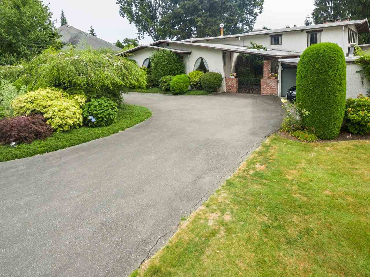 Detached at 1076 JACKSON WAY, Tsawwassen, British Columbia. Image 2