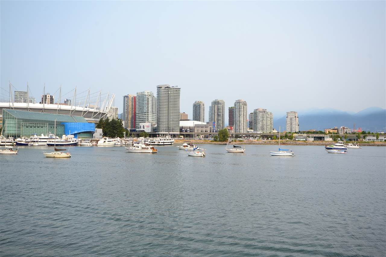 Condo Apartment at 305 123 W 1ST AVENUE, Unit 305, Vancouver West, British Columbia. Image 3