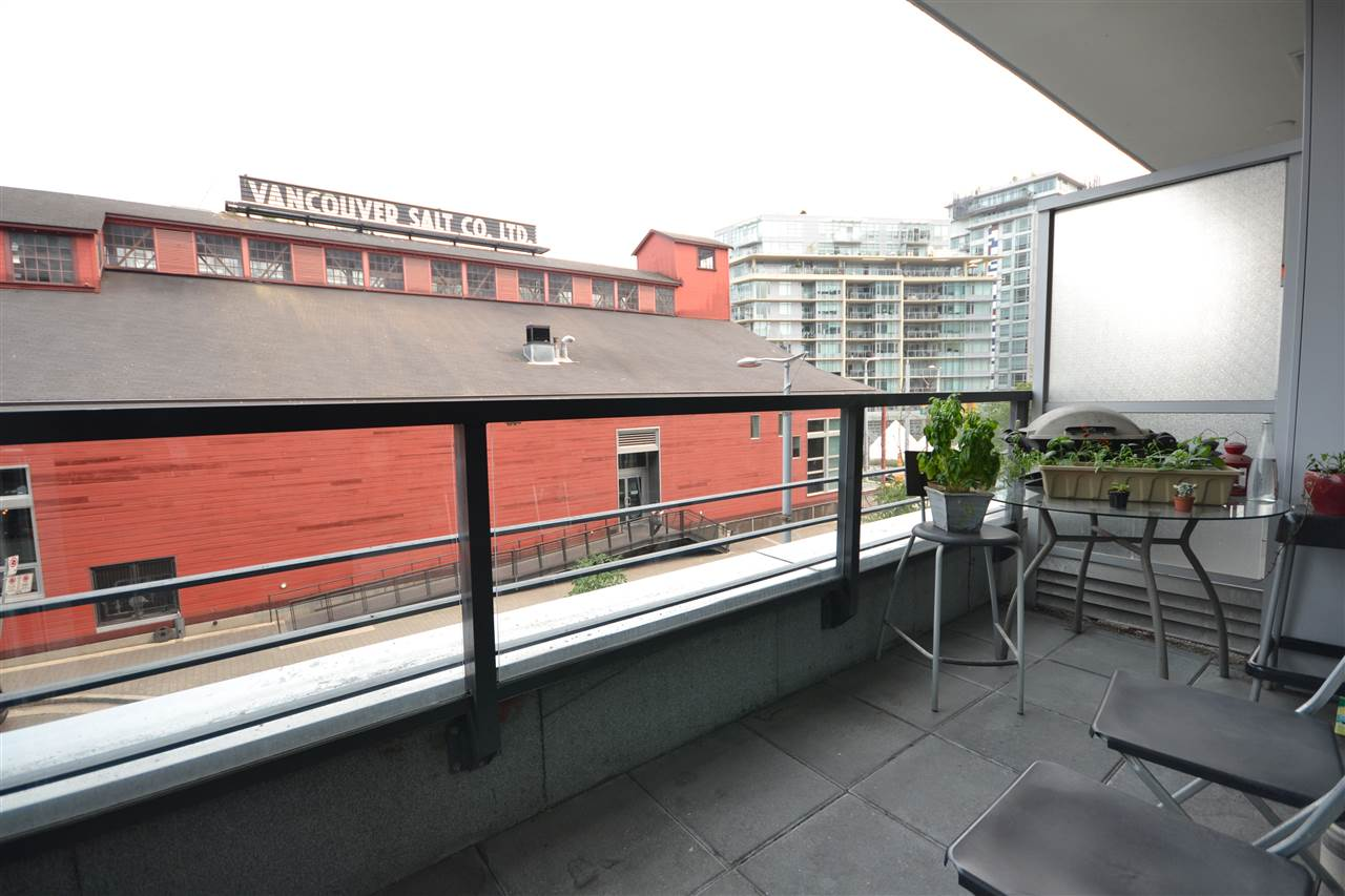 Condo Apartment at 305 123 W 1ST AVENUE, Unit 305, Vancouver West, British Columbia. Image 8