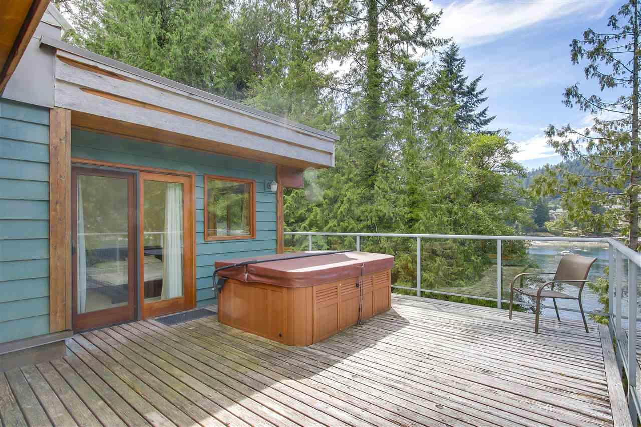 Detached at 2136 LOCKEHAVEN ROAD, North Vancouver, British Columbia. Image 12