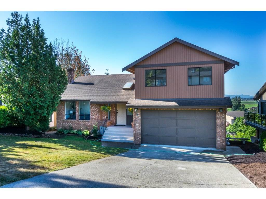 Detached at 35284 ROCKWELL DRIVE, Abbotsford, British Columbia. Image 1