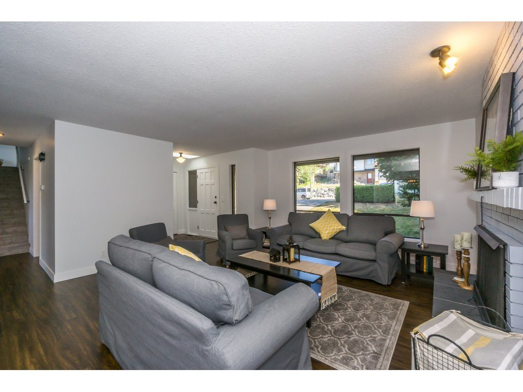 Detached at 35284 ROCKWELL DRIVE, Abbotsford, British Columbia. Image 3