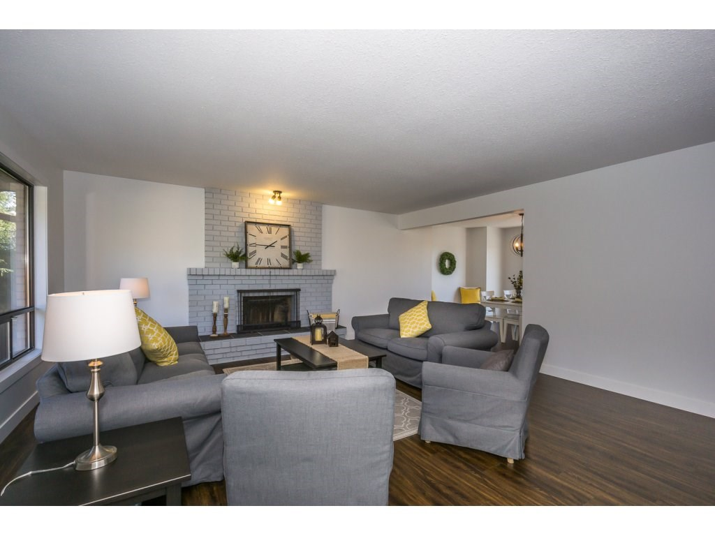 Detached at 35284 ROCKWELL DRIVE, Abbotsford, British Columbia. Image 4