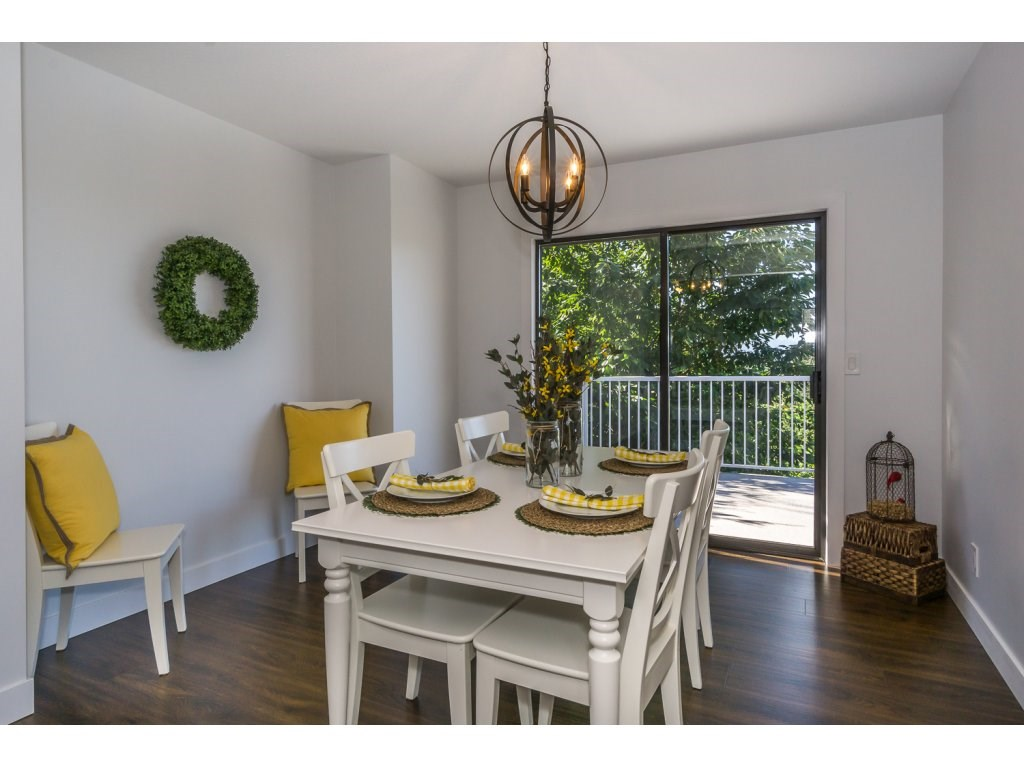 Detached at 35284 ROCKWELL DRIVE, Abbotsford, British Columbia. Image 5