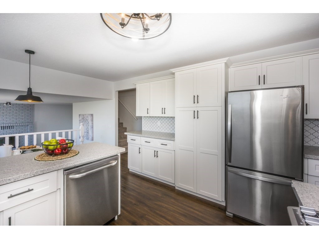 Detached at 35284 ROCKWELL DRIVE, Abbotsford, British Columbia. Image 7