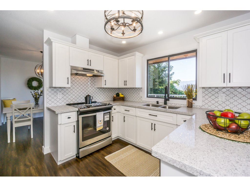 Detached at 35284 ROCKWELL DRIVE, Abbotsford, British Columbia. Image 9