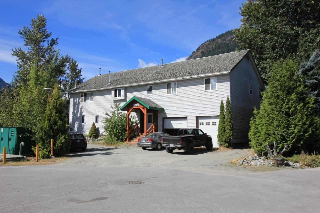 Detached at 1464 LABURNUM STREET, Pemberton, British Columbia. Image 1