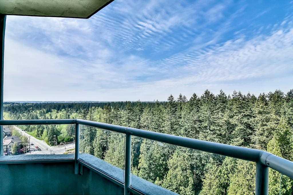 Condo Apartment at 2102 10082 148 STREET, Unit 2102, North Surrey, British Columbia. Image 3