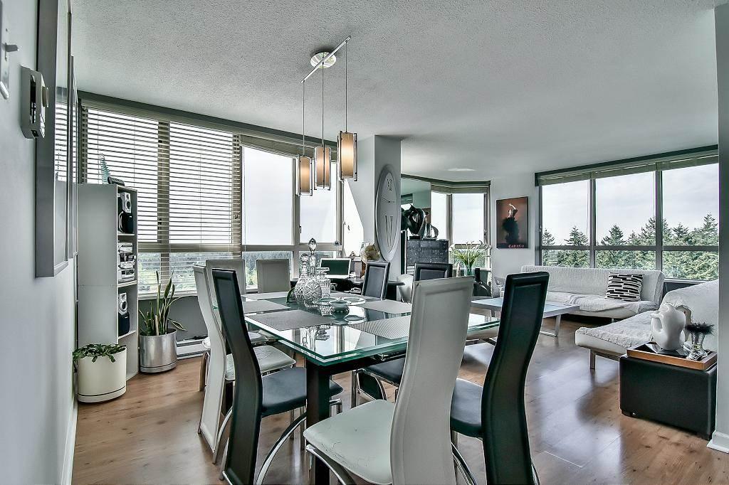 Condo Apartment at 2102 10082 148 STREET, Unit 2102, North Surrey, British Columbia. Image 9