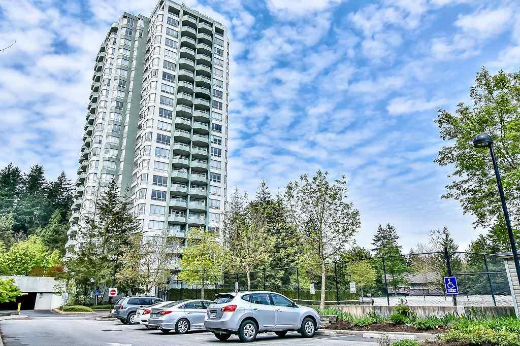 Condo Apartment at 2102 10082 148 STREET, Unit 2102, North Surrey, British Columbia. Image 11