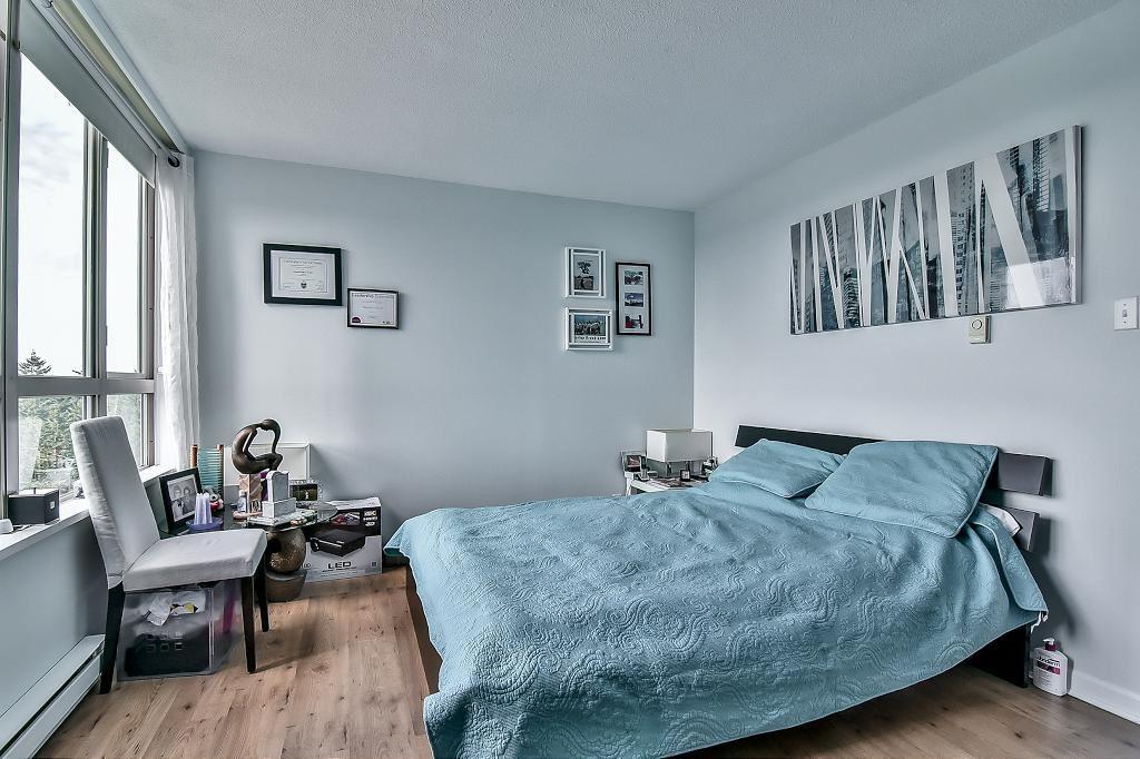 Condo Apartment at 2102 10082 148 STREET, Unit 2102, North Surrey, British Columbia. Image 12