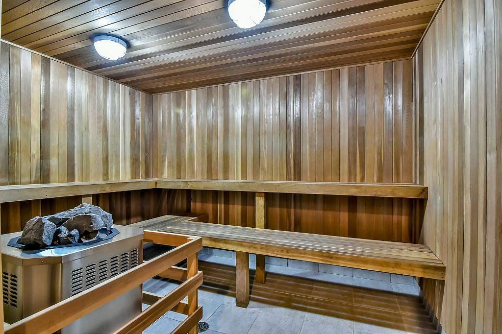 Condo Apartment at 2102 10082 148 STREET, Unit 2102, North Surrey, British Columbia. Image 17