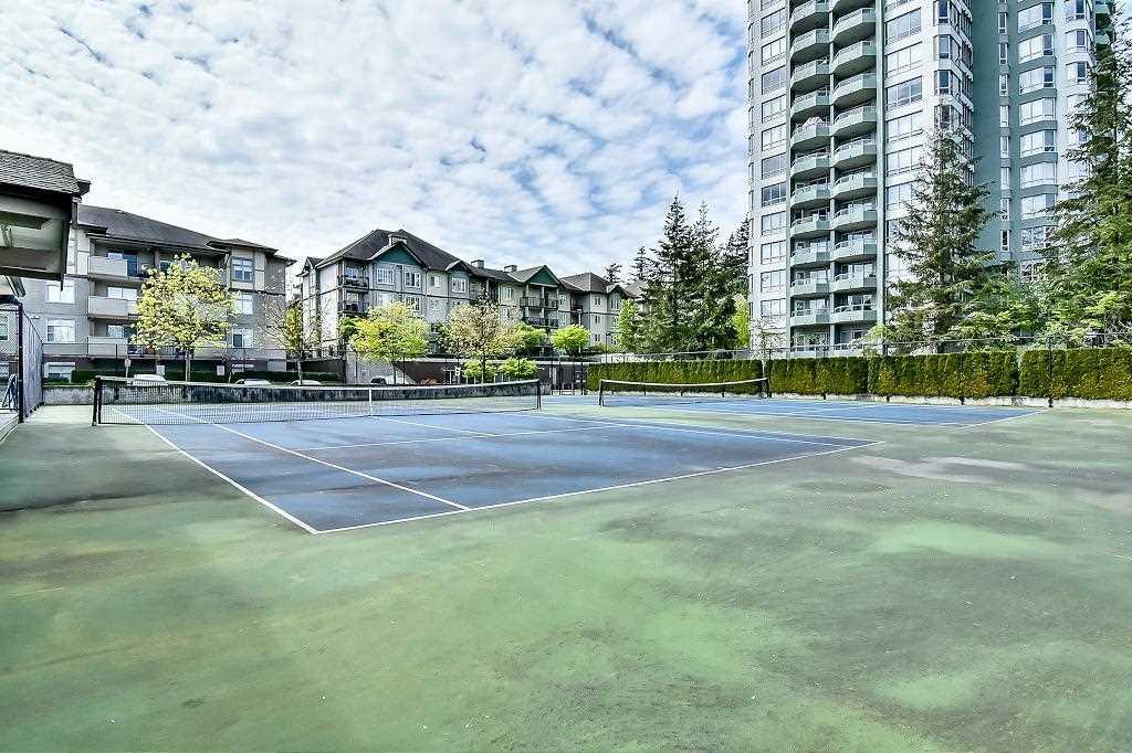 Condo Apartment at 2102 10082 148 STREET, Unit 2102, North Surrey, British Columbia. Image 18