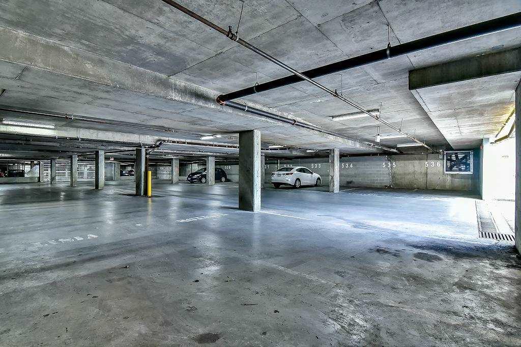 Condo Apartment at 2102 10082 148 STREET, Unit 2102, North Surrey, British Columbia. Image 20