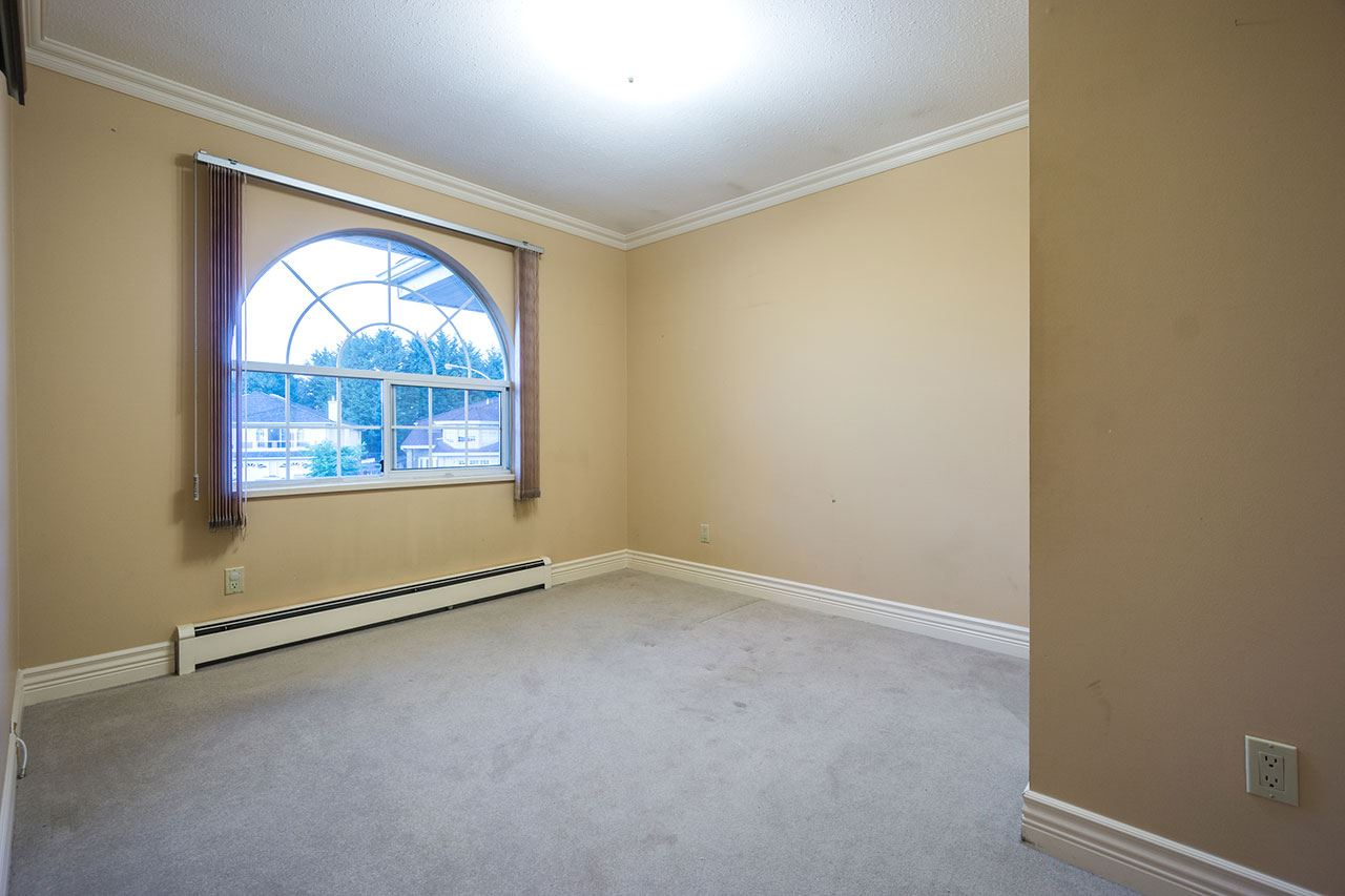 Detached at 110 VISCOUNT PLACE, New Westminster, British Columbia. Image 14