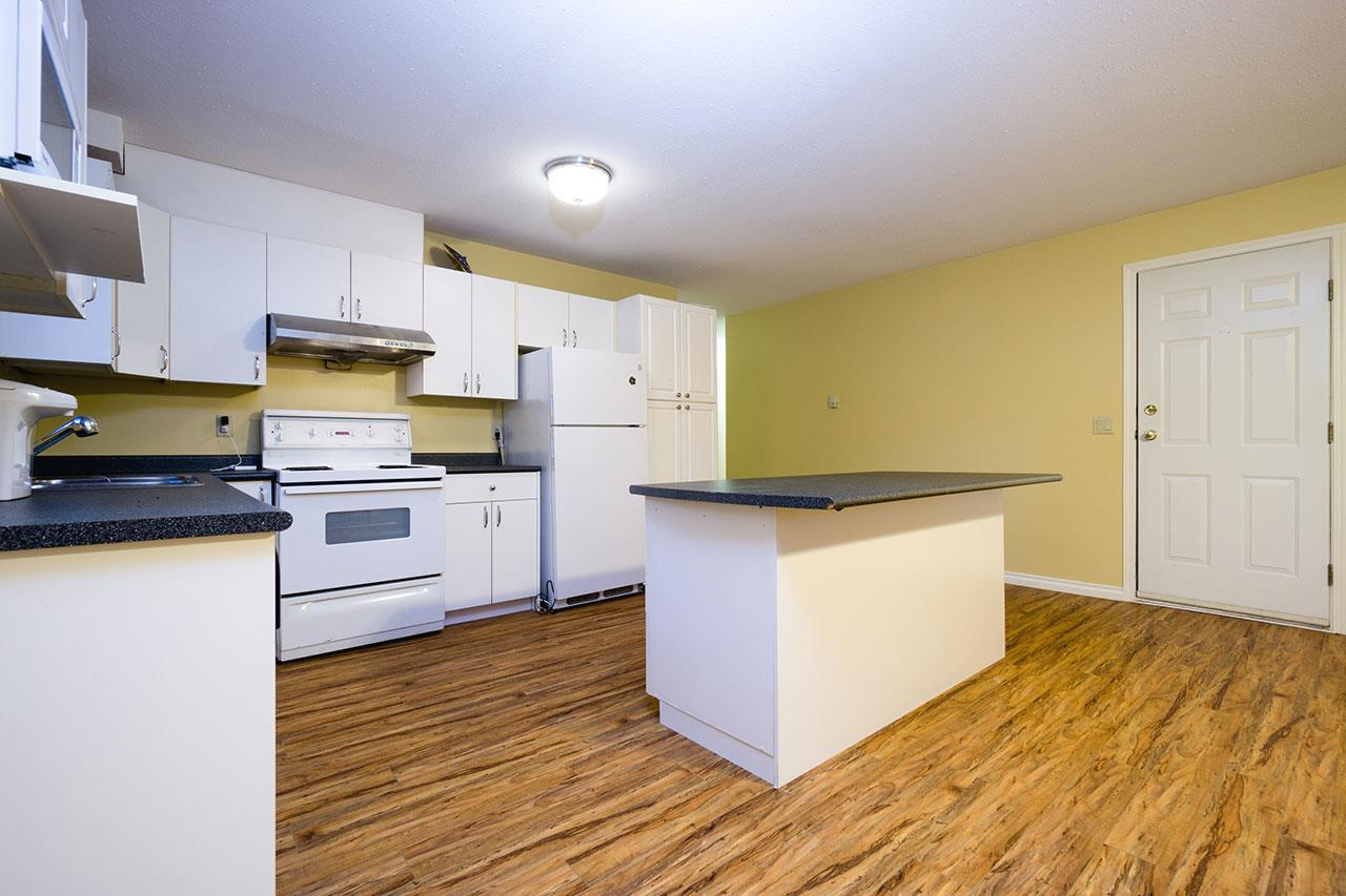 Detached at 110 VISCOUNT PLACE, New Westminster, British Columbia. Image 18