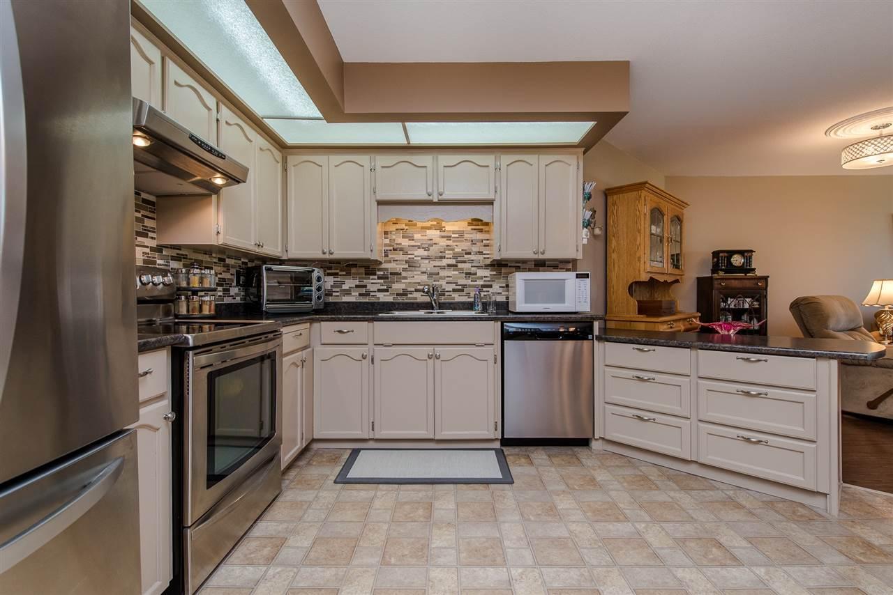 Condo Apartment at 217 31930 OLD YALE ROAD, Unit 217, Abbotsford, British Columbia. Image 3