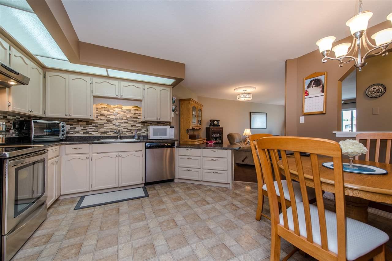 Condo Apartment at 217 31930 OLD YALE ROAD, Unit 217, Abbotsford, British Columbia. Image 5