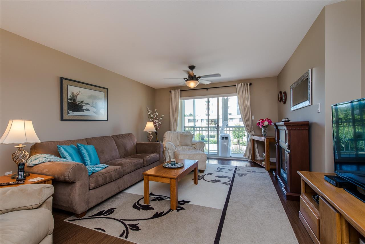 Condo Apartment at 217 31930 OLD YALE ROAD, Unit 217, Abbotsford, British Columbia. Image 8